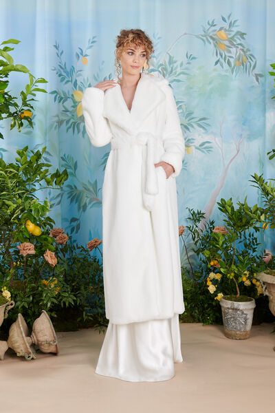 Comfortable faux fur coat