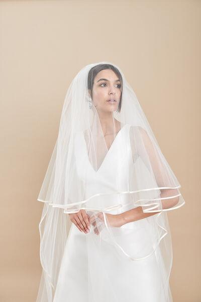 Velo in tulle con balza con sottile bordino di duchesse seta - Bridal