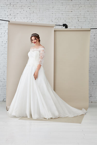 Sissi/C Wedding Gown
