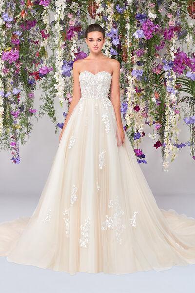 Jenevieve Wedding Gown