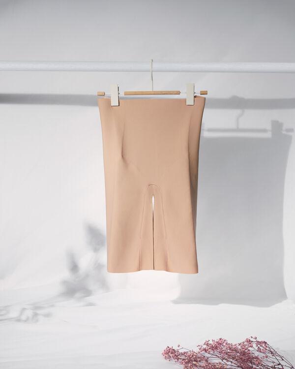 Pantaloncino Scollato in Microfibra Taglio Vivo
