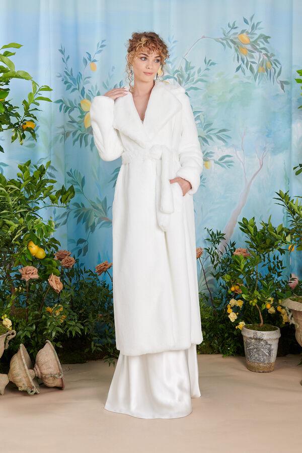 Confortevole cappotto in pelliccia ecologica