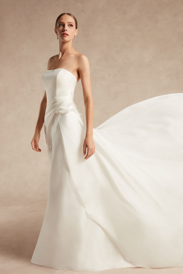 Amanda Bridal Gown