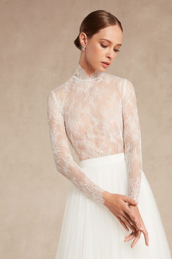 Long-Sleeved Lace Body